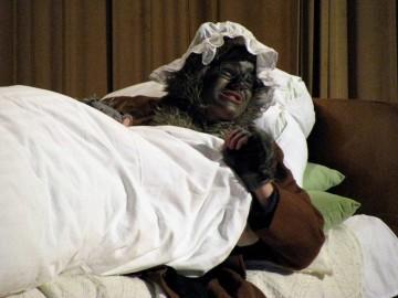 theaterkiste burgberg bilder rotk ppchen 2012. Black Bedroom Furniture Sets. Home Design Ideas